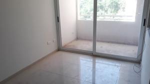 Apartamento En Venta En Valencia - Las Chimeneas Código FLEX: 19-11468 No.1