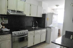 Apartamento En Venta En Caracas - Los Chorros Código FLEX: 19-11817 No.4