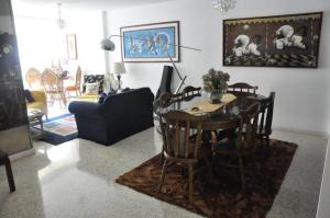 Apartamento En Venta En Caracas - Los Chorros Código FLEX: 19-11817 No.2