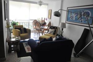 Apartamento En Venta En Caracas - Los Chorros Código FLEX: 19-11817 No.3