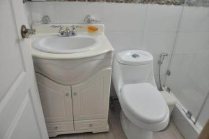 Apartamento En Venta En Caracas - Los Chorros Código FLEX: 19-11817 No.9