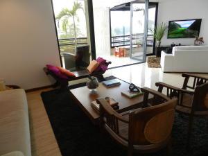 Apartamento En Venta En Caracas - Los Naranjos del Cafetal Código FLEX: 19-11992 No.6