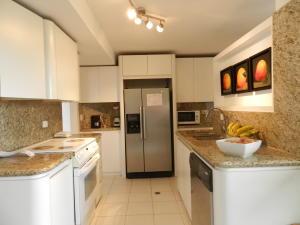 Apartamento En Venta En Caracas - Los Naranjos del Cafetal Código FLEX: 19-11992 No.17