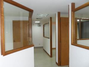 Local Comercial En Alquiler En Valencia - Lomas del Este Código FLEX: 19-12113 No.9
