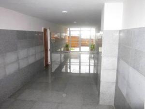 Apartamento En Venta En Caracas - Colinas de La Tahona Código FLEX: 19-12254 No.2