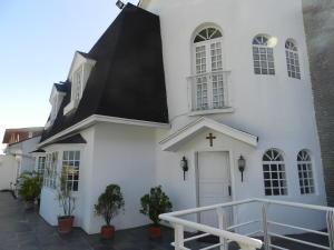 Casa En Venta En Caracas - Las Palmas Código FLEX: 19-12327 No.0