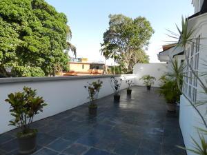 Casa En Venta En Caracas - Las Palmas Código FLEX: 19-12327 No.1
