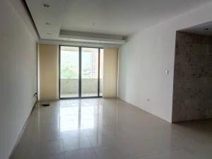 Apartamento En Venta En Valencia - Valle Blanco Código FLEX: 19-14988 No.1