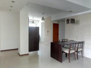Apartamento En Venta En Valencia - Valle Blanco Código FLEX: 19-14988 No.3