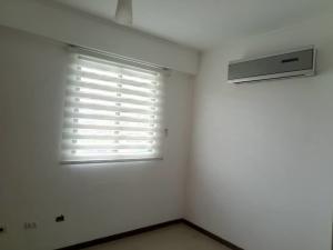 Apartamento En Venta En Valencia - Valle Blanco Código FLEX: 19-14988 No.16