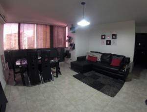 Apartamento En Venta En Caracas - Lomas del Avila Código FLEX: 19-12390 No.1