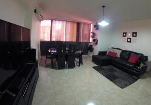 Apartamento En Venta En Caracas - Lomas del Avila Código FLEX: 19-12390 No.2