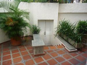 Casa En Venta En Caracas - Los Chorros Código FLEX: 19-12406 No.2