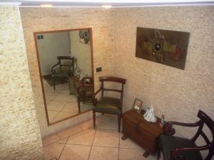 Casa En Venta En Caracas - Los Chorros Código FLEX: 19-12406 No.9
