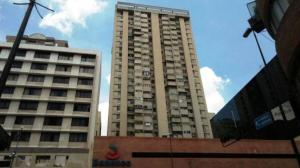Oficina En Alquiler En Caracas En La Candelaria - Código: 19-12557