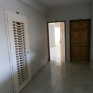 Apartamento En Venta En Valencia - Sabana Larga Código FLEX: 19-12714 No.2