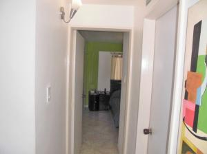 Apartamento En Venta En Caracas - Parroquia La Candelaria Código FLEX: 19-12594 No.15