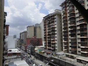 Apartamento En Venta En Caracas - Parroquia La Candelaria Código FLEX: 19-12594 No.1