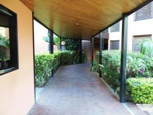 Apartamento En Alquiler En Caracas En La Alameda - Código: 19-12840