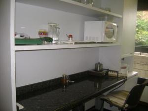Oficina En Alquiler En Caracas En El Rosal - Código: 19-12643