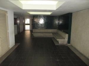 Apartamento En Venta En Caracas - Parroquia La Candelaria Código FLEX: 19-12975 No.5