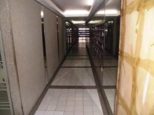Apartamento En Venta En Caracas - Parroquia La Candelaria Código FLEX: 19-12885 No.2