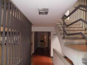 Apartamento En Venta En Caracas - Parroquia La Candelaria Código FLEX: 19-12885 No.5