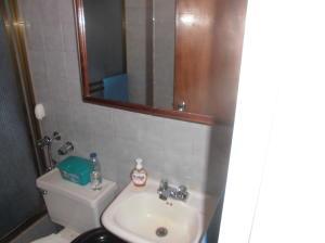 Apartamento En Venta En Caracas - Parroquia La Candelaria Código FLEX: 19-12885 No.16