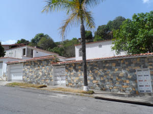 Casa En Venta En Caracas - El Cafetal Código FLEX: 19-12919 No.2