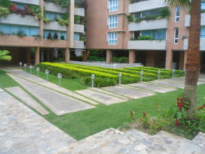 Apartamento En Venta En Caracas - Campo Alegre Código FLEX: 19-12974 No.2