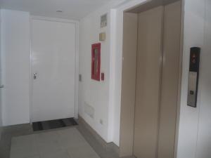 Apartamento En Venta En Caracas - Campo Alegre Código FLEX: 19-12974 No.6