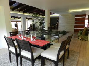 Casa En Venta En Caracas En Lomas de La Lagunita - Código: 19-13022