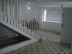 Casa En Venta En Caracas - Los Dos Caminos Código FLEX: 19-13163 No.4