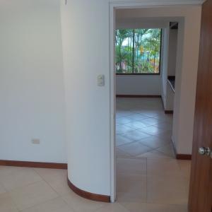 Apartamento En Venta En Caracas - Los Naranjos del Cafetal Código FLEX: 19-13555 No.9