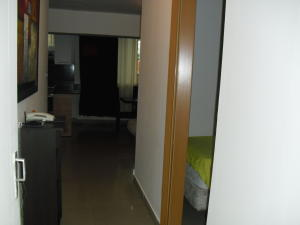 Apartamento En Venta En Caracas - Los Dos Caminos Código FLEX: 19-13404 No.4