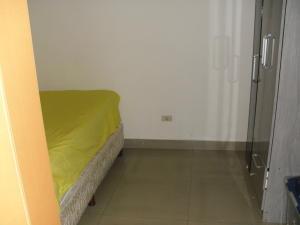 Apartamento En Venta En Caracas - Los Dos Caminos Código FLEX: 19-13404 No.15