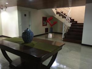 Apartamento En Venta En Caracas - Colinas de Valle Arriba Código FLEX: 19-12962 No.1