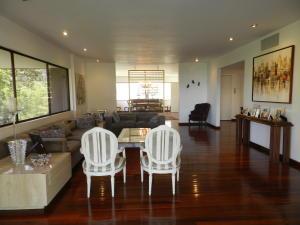 Apartamento En Venta En Caracas - La Castellana Código FLEX: 19-13505 No.5
