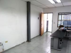 En Alquiler En Caracas - Las Acacias Código FLEX: 19-13556 No.3