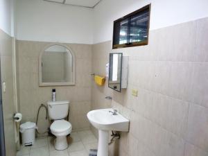 En Alquiler En Caracas - Las Acacias Código FLEX: 19-13556 No.4