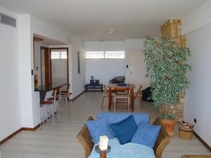 Apartamento En Venta En Parroquia Caraballeda - Tanaguarena Código FLEX: 19-13635 No.2