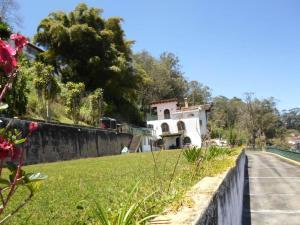 Casa En Venta En San Antonio de los Altos - La Suiza Código FLEX: 19-13642 No.1