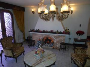 Casa En Venta En San Antonio de los Altos - La Suiza Código FLEX: 19-13642 No.5