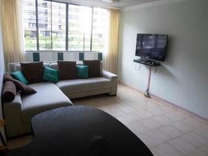 Apartamento En Venta En Caracas - Terrazas de Guaicoco Código FLEX: 19-13661 No.3