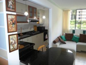 Apartamento En Venta En Caracas - Terrazas de Guaicoco Código FLEX: 19-13661 No.4