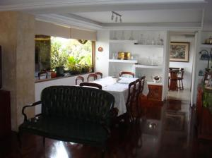 Apartamento En Venta En Caracas - Santa Eduvigis Código FLEX: 19-13673 No.4