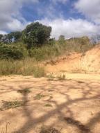 Terreno En Venta En Caracas - Sabaneta Código FLEX: 19-13681 No.13