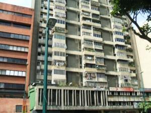Apartamento En Venta En Caracas - Parroquia La Candelaria Código FLEX: 19-13686 No.1