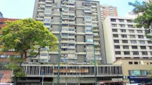 Apartamento En Venta En Caracas - Parroquia La Candelaria Código FLEX: 19-13686 No.2