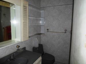 Apartamento En Venta En Caracas - Parroquia La Candelaria Código FLEX: 19-13686 No.15